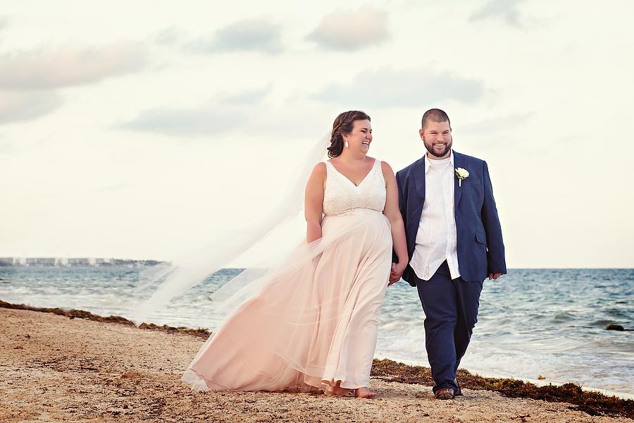 Dreams-Riviera-Cancun-Wedding-Photography_0074.jpg