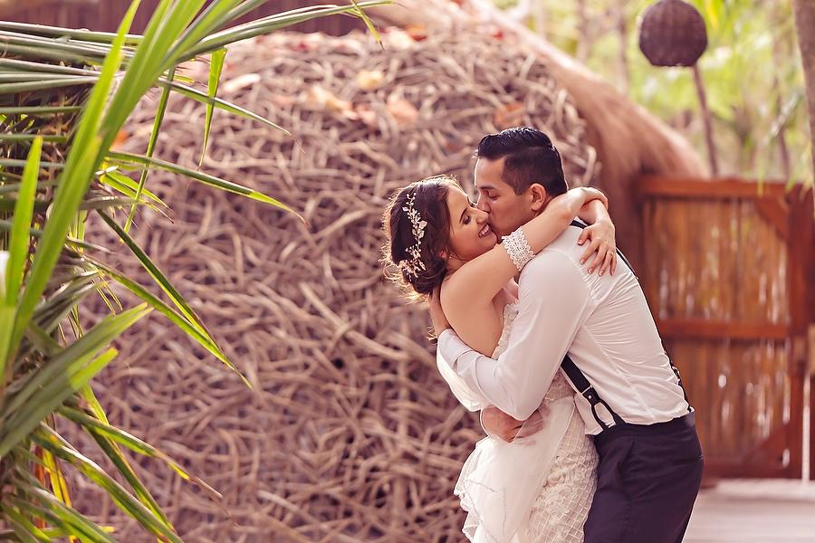 Religious Akiin Beach Club Wedding Karla + JoseLuis_0070