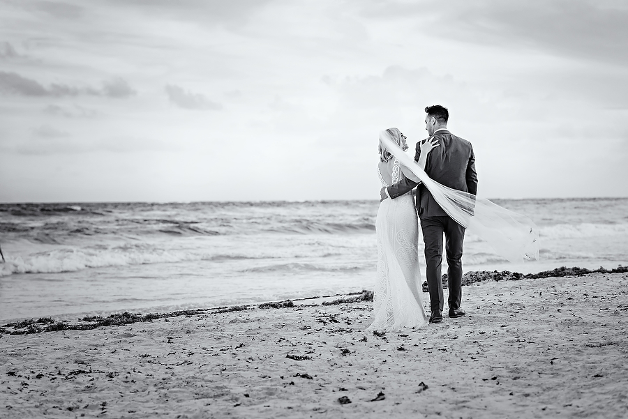 Tulum-Destination-Wedding-at-Akiin-Beach_0001.jpg