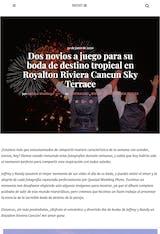 Dos novios a juego para su boda de destino tropical en Royalton Riviera Cancun Sky Terrace